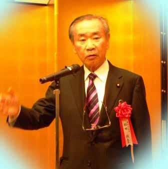 羽田孜元首相死去!息子の現在は?半袖スーツ画像!