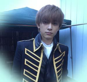 真選組の隊長、沖田総悟役を演じました。